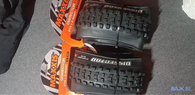 Gume Maxxis Dissector 27.5 × 2.40 WT folding EX0 TR DC NOVE
